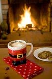 Cacao caliente por el fuego Fotos de archivo libres de regalías