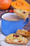 Cacao con il biscotti Immagini Stock