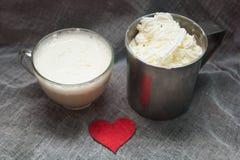 Cacao et cappuccino crémeux Photos libres de droits