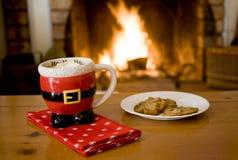 Cacao y galletas calientes Imágenes de archivo libres de regalías