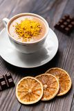 Cacaodrank met oranje schil stock fotografie