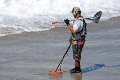 Caccia al Laguna Beach, California del tesoro Immagini Stock