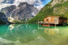Caccia per la riflessione alpina Fotografie Stock