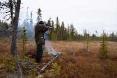 Cacciatore delle alci ad una poche condizione e tendenza del fuoco Fotografia Stock Libera da Diritti
