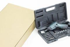Cacciavite e scatola Fotografia Stock Libera da Diritti