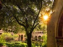 CACERES SPANIEN - FEBRUARI 12, 2017 - kloster av kloster av Guadalupe, i Caceres Extremadura - Spanien I dess gallerier ar royaltyfri foto