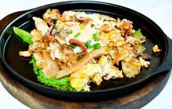 Cacerola caliente asada del pollo. fotos de archivo libres de regalías