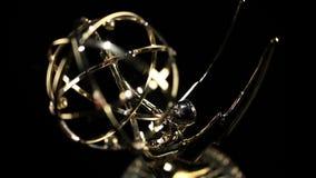 Cacerola de Emmy Award adentro almacen de video