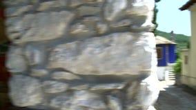 Cacerola de la pintura a la casa azul de los turcos en Theologos, Thassos Grecia metrajes