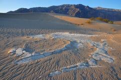 Cacerola de la sal del desierto Imagenes de archivo