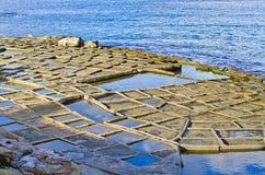 Cacerolas de la sal, Malta fotos de archivo