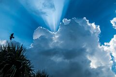Caché derrière les nuages Stock Image