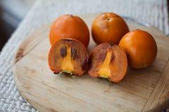 Cachi arancio dolci e freschi deliziosi immagini stock