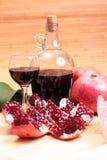 Cachimbo de água, vinho e doces Foto de Stock Royalty Free