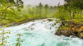 Cachoeira ao longo do Aurlandsfjellet Noruega Imagens de Stock Royalty Free