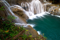 Cachoeira bonita. imagens de stock