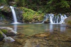 Cachoeira bonita na floresta Fotos de Stock Royalty Free
