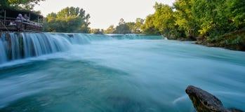 Cachoeira bonita no por do sol imagem de stock royalty free