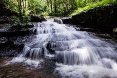 Cachoeira, cachoeira do som de Khum, distrito de Muang, Sakon Nakhon, Tailândia imagem de stock royalty free