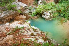 Cachoeira com pedras Foto de Stock Royalty Free