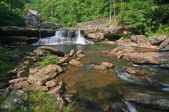 Cachoeira da angra do Glade fotografia de stock