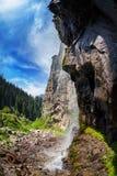 Cachoeira da montanha imagens de stock royalty free