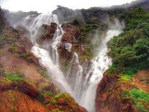 Cachoeira da rocha do castelo fotografia de stock royalty free