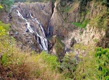 Cachoeira de Barron Falls, montes de pedras, Queensland, Austrália imagem de stock