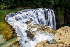 Cachoeira de conexão em cascata Imagem de Stock Royalty Free