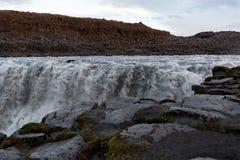 Cachoeira de Dettifoss como o fundo Foto de Stock