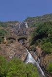 A cachoeira de Dudhsagar Fotos de Stock Royalty Free