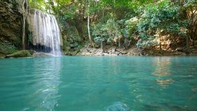 Cachoeira de Erawan, Kanchanaburi, Tailândia filme