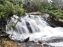 Cachoeira de fluxo fotos de stock