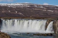 A cachoeira de Godafoss em Islândia em um dia de mola fotos de stock