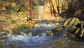 Cachoeira de Gorchakovschina na primavera Imagens de Stock