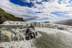 Cachoeira de Gulfoss do rio do hvita em Islândia imagem de stock