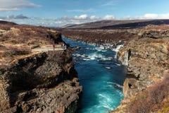 Cachoeira de Hraunfossar em Islândia Fotos de Stock