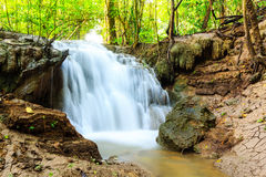 Cachoeira de Huai Mae Kamin Fotos de Stock