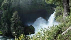 Cachoeira de Huilo Huilo, o Chile video estoque