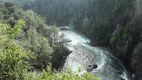 Cachoeira de Huilo Huilo, o Chile vídeos de arquivo