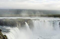 Cachoeira de Islândia no verão foto de stock