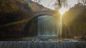 Cachoeira de Palaiokaria em Grécia Um destino turístico famoso filme