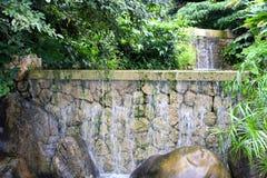 Cachoeira de pedra antiga imagens de stock