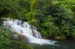 Cachoeira de Pedra Branca (pedra branca) Imagem de Stock