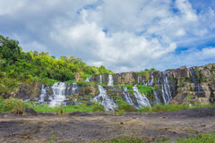 Cachoeira de Pongour no dia de verão Fotografia de Stock