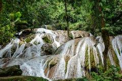 Cachoeira de Saluopa em Tentena Imagem de Stock Royalty Free