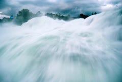 Cachoeira de Schaffhausen - a cachoeira a maior de Europes imagem de stock royalty free