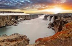 Cachoeira de Selfoss no parque nacional de Vatnajokull, Icelan do nordeste imagem de stock