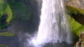 Cachoeira de Seljalandsfoss em Islândia filme