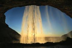 Cachoeira de Seljalandsfoss, perto da geleira de Eyjafjallajokull em Islândia sul Foto de Stock